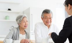Japanese senior couple and agent